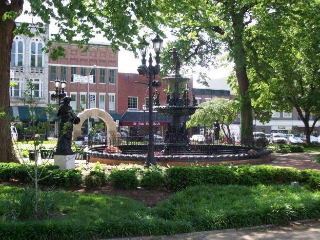 Fountain_Square_Park__Bowling_Green__Kentucky.JPG