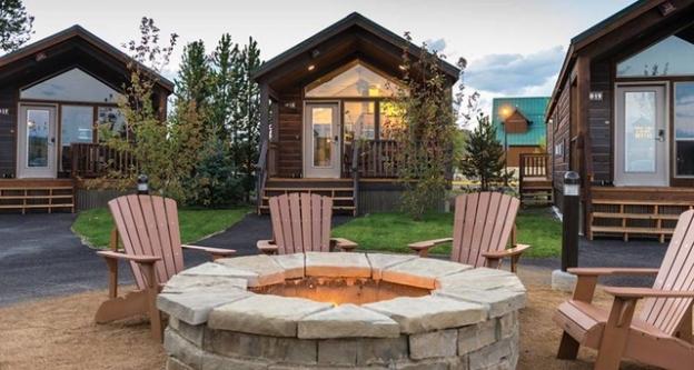 explorer-cabins-firepit-2_dncwestys_940.jpeg